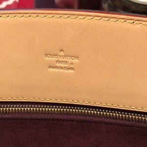 Louis Vuitton Bags - Louis Vuitton phenix mm 💕